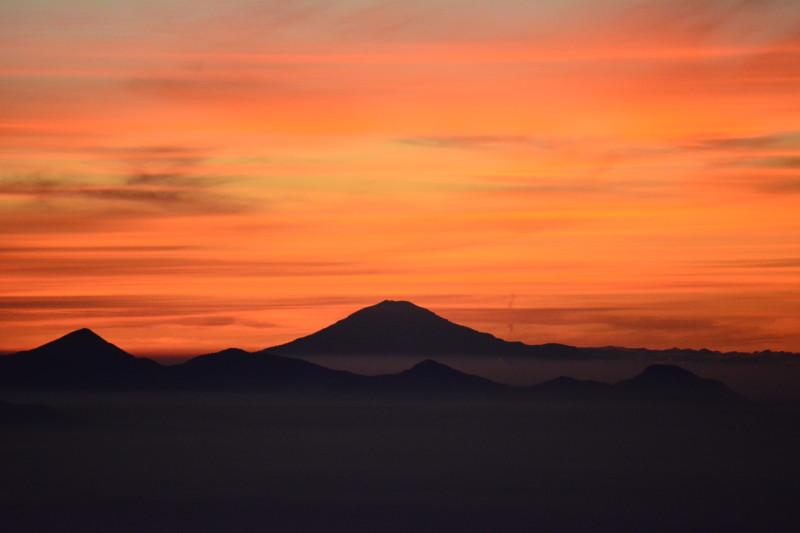 C) Gunung Gede (24)